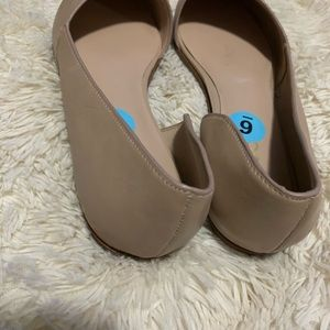 Brand new Aldo women Color tan size 6M